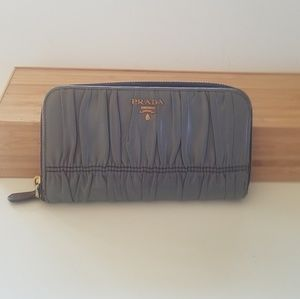PRADA LEATHER GRAY AND GOLD FULL ZIP WALLET